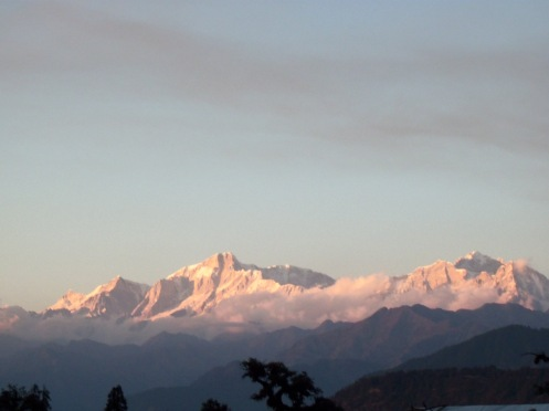 Himalaya peaks early in the morning