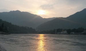 rishikesh cloudy morning sunbeams